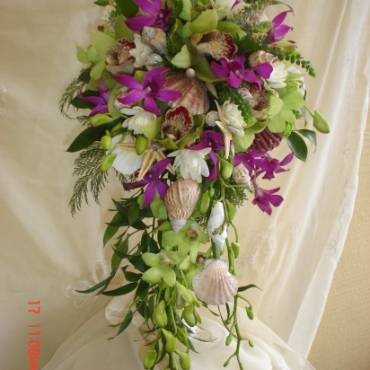 Cascading Bouquet 3