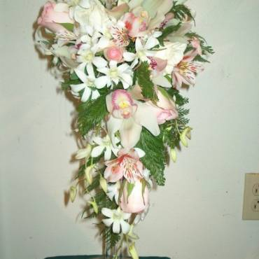 Cascading Bouquet 4