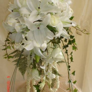 Cascading Bouquet 8
