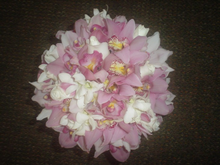 Handheld Bouquet 24