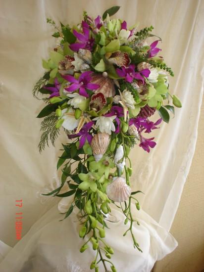 Cascading Bouquet 3