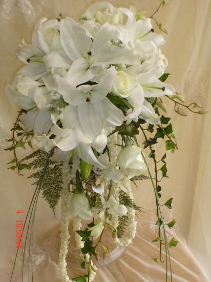 Cascading Bouquet 8